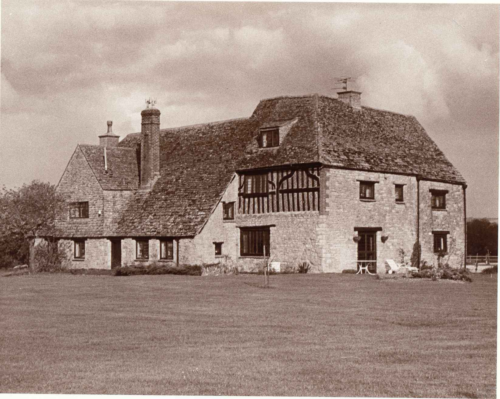 Earlscourt Manor House - closely associated with Hintons in centuries past