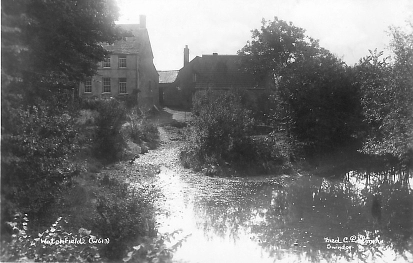 West Mill farm house in 1925. The mill buildings are on the right. Photo courtesy of Paul Williams