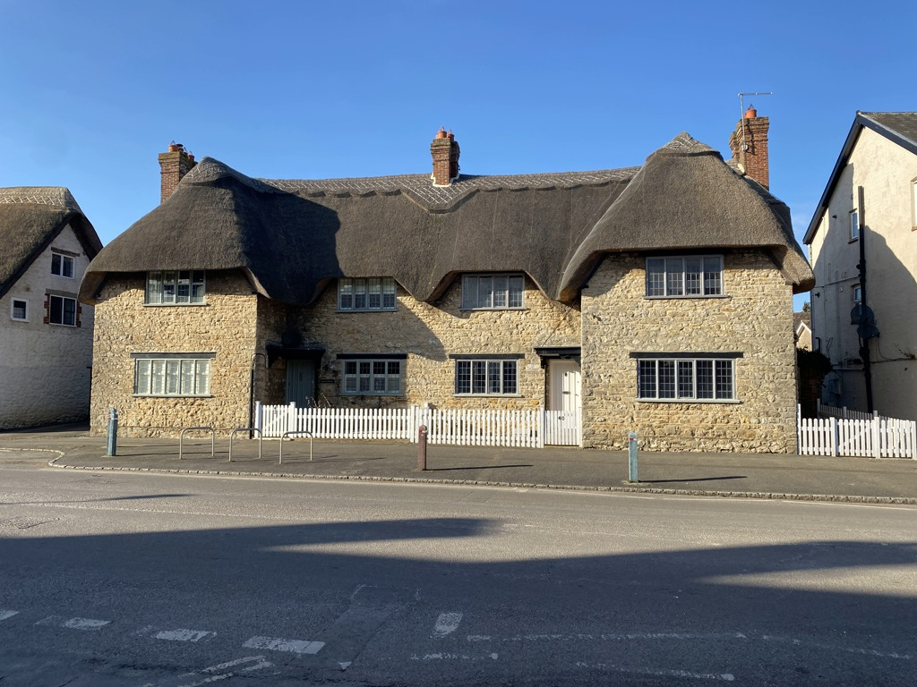 Nos 40 & 42 High Street, Shrivenham, seemingly and idyllic pair of 18th century cottages