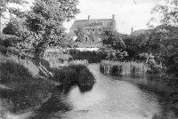West Mill farm house in 1910. The mill buildings were to the right. Photo courtesy of Paul Williams